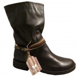 Black leather boots by Felmini, 1089