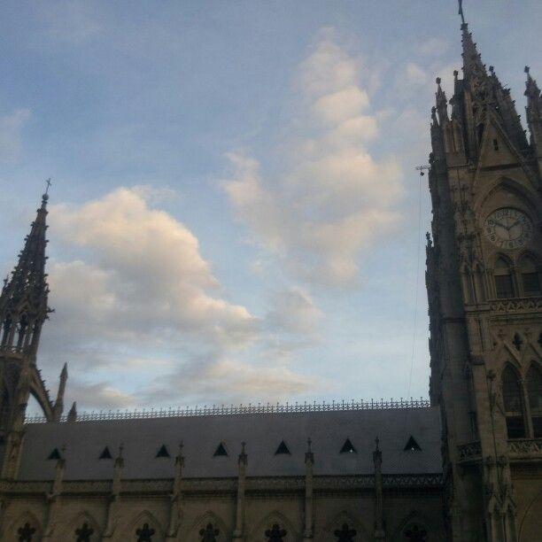 Quito ciudad de encanto arte cultura leyenda e historia conozca a través de Mundo Ventura