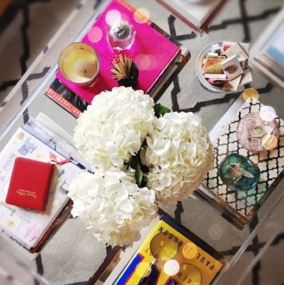 coffee table styling: Vignettes, Coffee Tables Styles, Living Rooms, Interiors, Book, Coff Tables, House, Design, Flower