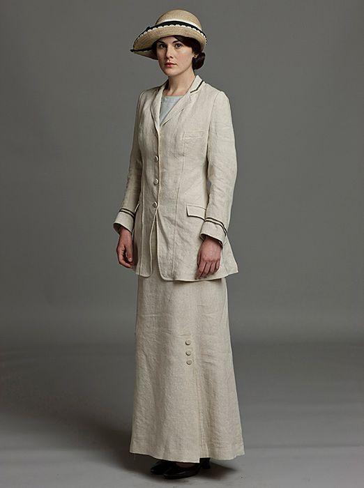 Lady Mary in Downton Abbey Season 1 [1912-1914], costume design Susannah Buxton.
