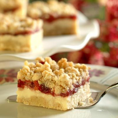 Premier Cheesecake Cranberry Bars (Easy; 30 bars) #cheesecake #cranberry