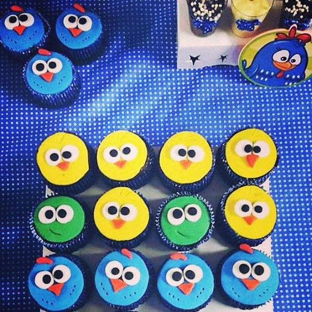 Cupcake da Galinha e Cia, tudo para festa do Guilherme  #cupcake #galinhapintadinha #inlove #feitoamao #feitocomamor #pastaamericana #coisalinda #meldoce #tudodameldoce #docesdameldoce #vemdemeldoce