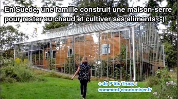 Pour cette famille, il y a de nombreux avantages à vivre dans une maison-serre. Pendant la journée, la lumière du soleil aide à chauffer la maison, et la chaleur résiduelle est stockée dans le soubassement de la construction.  Découvrez l'astuce ici : http://www.comment-economiser.fr/ce-couple-a-construit-une-serre-tout-autour-de-sa-maison.html?utm_content=buffer529ed&utm_medium=social&utm_source=pinterest.com&utm_campaign=buffer