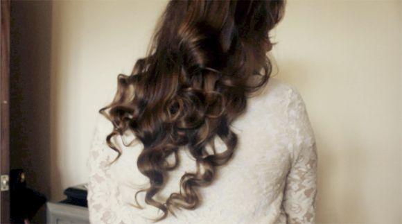 Tutorial: No-Heat Sock Curls - Lela London - Lifestyle, Beauty and Fashion Blog