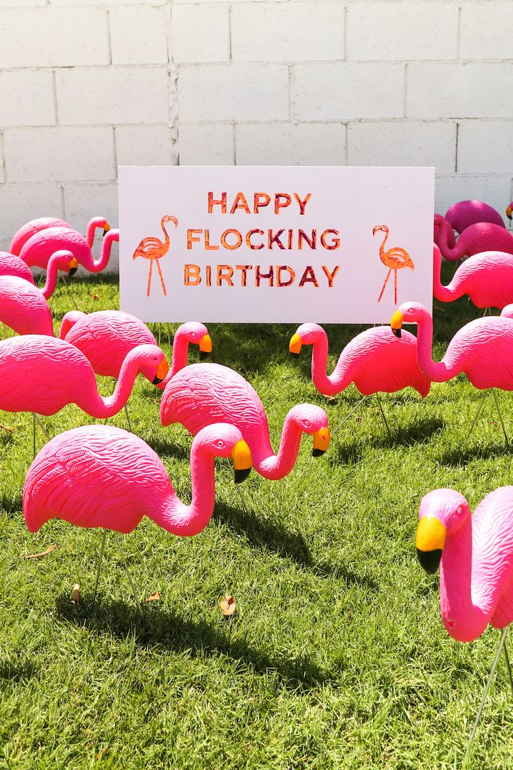 Give your friend a Happy Flocking Birthday with a Flamingo Flocking! // Salty Canary // #ad #CricutMade