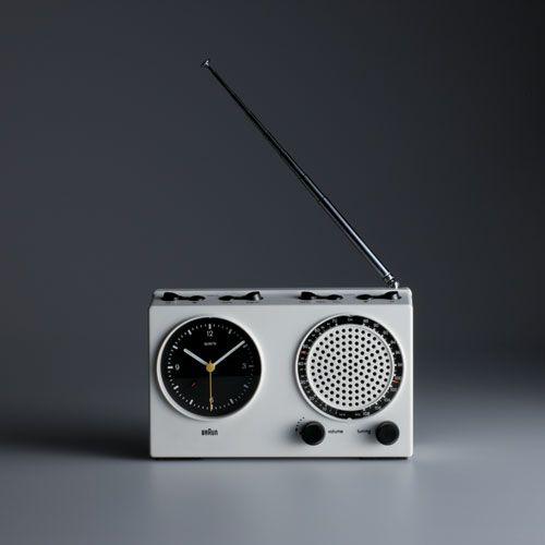 Dieter Rams, Braun clock radio (ABR 21 signal radio), 1978; design: Dieter Rams and Dietrich Lubs, photo: Koichi Okuwaki.