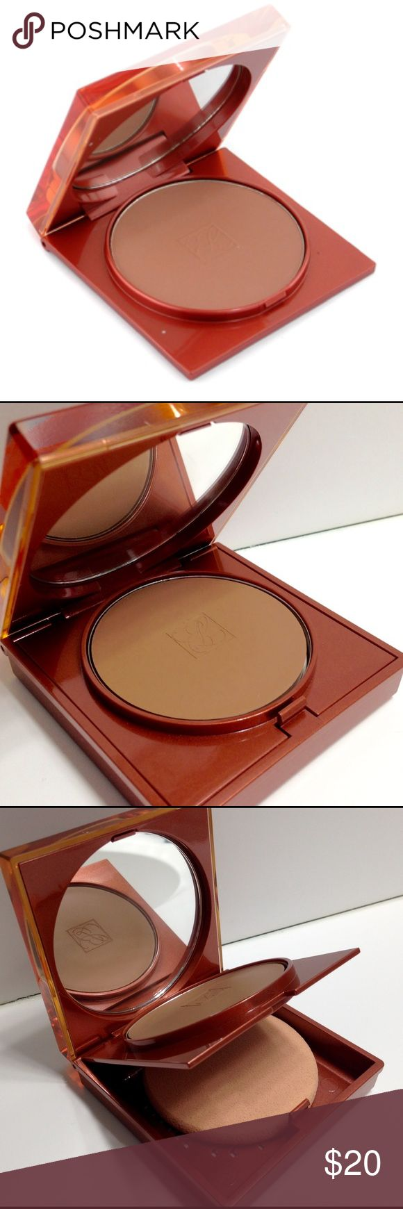 Estee Lauder Amber Bronze Bronzer Creme Compact A lightweight, creamy bronzer. Refined texture that easily glides onto skin. Quickly gives you a gorgeous tan look. Leaves you a sensual, healthy, radiant glow. Protects skin from the damage of UV rays. Product unused, no box Estee Lauder Makeup Bronzer