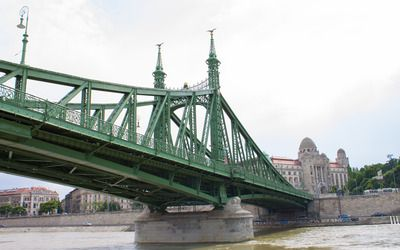 Liberty Bridge wallpaper