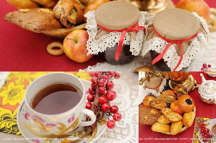 Украсьте праздничный стол расписной посудой с горячим чаем, наполните пиалы медом. Наслаждайтесь хрустящими сушками и ароматной выпечкой!