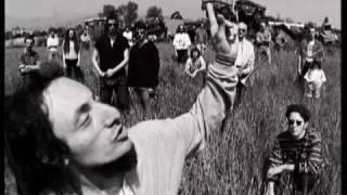 Africa Unite - Il partigiano John - clip ufficiale, via YouTube.