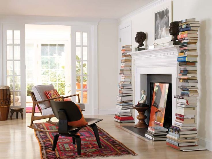 Bookshelves, Modern Chairs, Fireplaces Design, Living Room Fireplaces, Beautiful Interiors, Bookish Nooks, Bookcas And Fireplaces, Book Design, New England Home