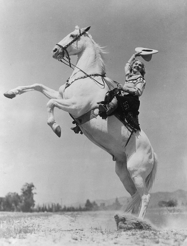 Ethelyn Dectreaux, a rodeo rider, in 1935. | 15 Retro Pics Of Truly Badass Cowgirls