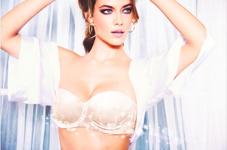 Our #MagicWire bra's make for versatile wearing with detachable straps!  #Triumph #lingerie