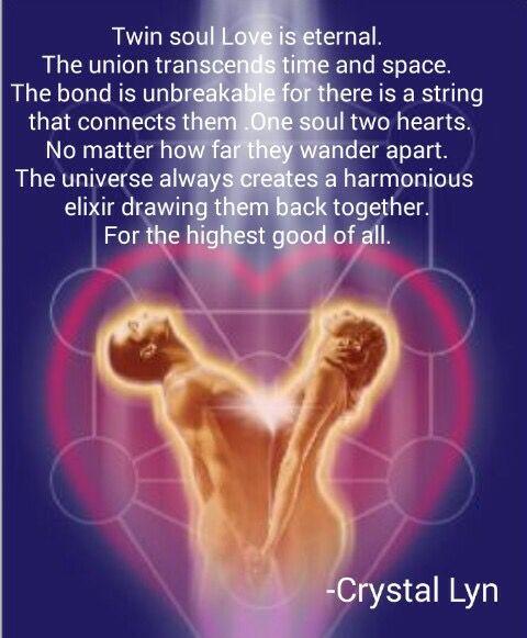 """""""L'Amour des âmes jumelles est éternel. L'union transcende le temps et l'espace. Le lien est indestructible parce qu'il y a un fil qui les connecte. Une âme, deux cœurs. Peu importe à quel point ils s'éloignent dans leur errance. L'univers crée toujours un élixir harmonieux qui les ramène ensemble. Pour le plus grand bien de tous."""" - [Crystal Lyn]"""