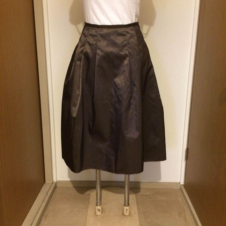 光沢があり、品のあるブラウン色です。 15号です。 どんなシーンにも使える、使い勝手の良いスカートだと思います(≧∀≦) サイズを間違って購入したので、出品しています。 フォクシー風スカートです。 アンタイトルのブランドタグをお借りしましたm(_ _)m ウエスト 約34センチ 着丈 約64センチ M-PREMIER、UNTITLED 、INED 、INDIVI、IENA 、23区、自由区、組曲、オンワード堅山、ANAYI、M-PREMIER、ef-de、イエナ、スピックアンドスパン、ビームス、ユナイアローズ、ZARA、ロンハーマン、プラージュ、トゥモローランド、ルシェルブルー、スタンニングルアー、yori ミッシェルクラン、ロートレアモン、D&G、ザラ、ヴィヴィアン、エポカ、ラルフローレン、ダイアンフォンファステンバーグ、トリーバーチ、バーバリー、マックスマーラ、マックスアンドコー、M'sグレイシーお好きな方にもオススメです。 入学式 パーティ 結婚式 きれいめスカート