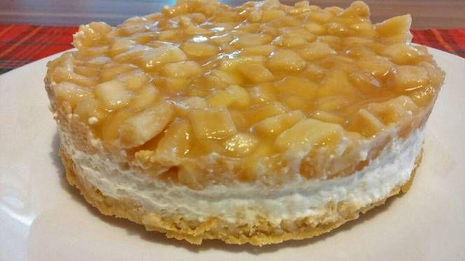 Mézes túrókrém torta, illatos almakompóttal