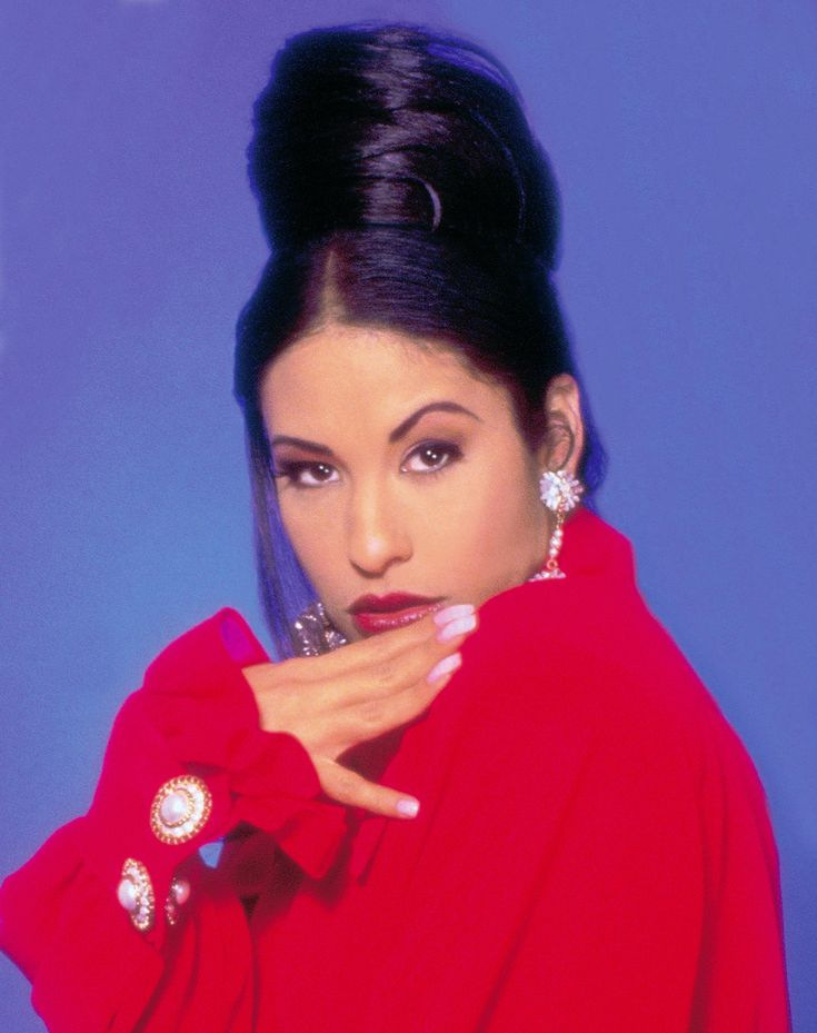the life and career of selena quintanilla perez On friday, selena quintanilla perez, a madonna-like performer who seemed   32, a registered nurse from san antonio, had rearranged her life around the   she was currently at work on her first english-language album,.