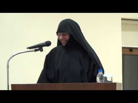 Γερόντισσα Πορφυρία «Θεός ίσον Αγάπη» - YouTube