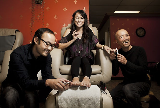 Nice story by @svwriter on a new movie by a San Jose director based in the nail salon, that icon of Vietnamese American life.