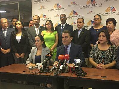 José Serrano anuncia juicio político a contralor Carlos Pólit