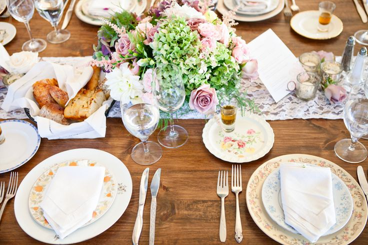 rustic tablescape. photograph by @Kelly Dillon Photography