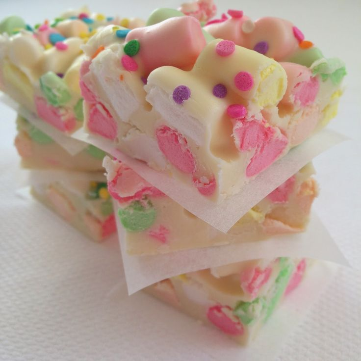 Little Housewife Easter Baking: Easter Bark - Eggscellent Easter with Countdown