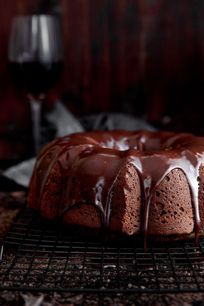 A moist red wine chocolate cake drizzled with red wine chocolate ganache. Swoon! #GloriaFerrer #CleverGirls