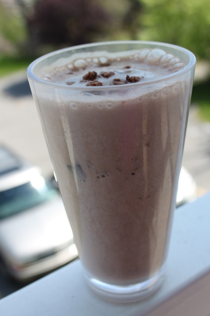Strawberry blueberry weight loss smoothie