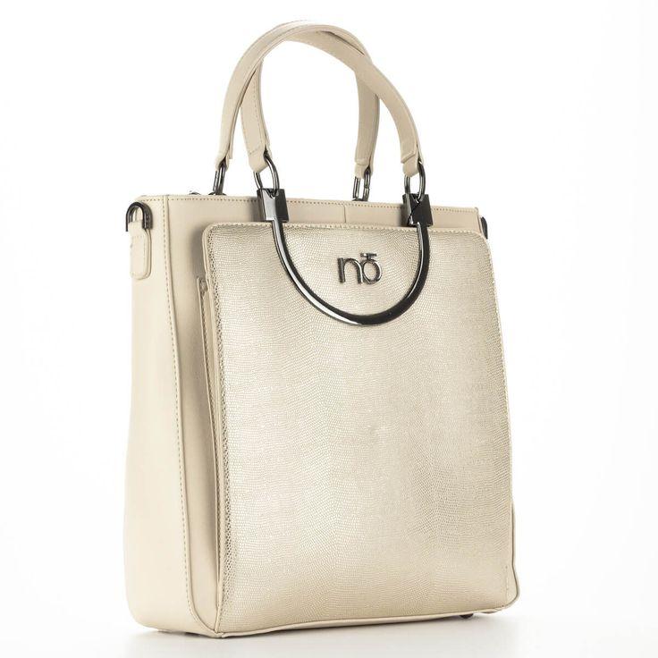 Arany-bézs Nobo táska nagy belső térrel, elejében mágneses patenttal nyitható rekesszel a leggyakrabban használt dolgainknak.  #bags #fashionbags