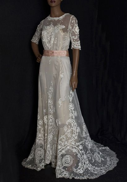 1905 lace tea dress perfect for a wedding