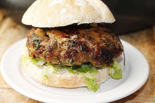 hamburguesa de estilo marroquí o kefta