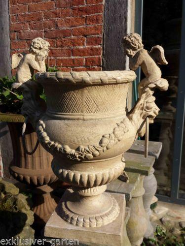 Les 64 meilleures images du tableau fontaines amphores for Amphore piscine decoration