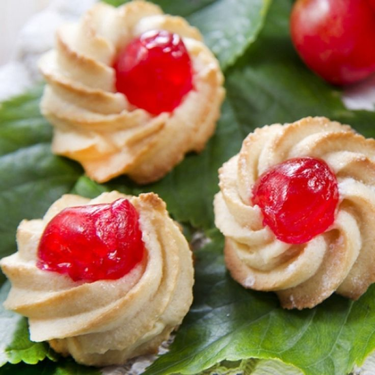 A Very yummy recipe for Italian butter cookies, These are a great holiday treat.. - Christmas Cookies