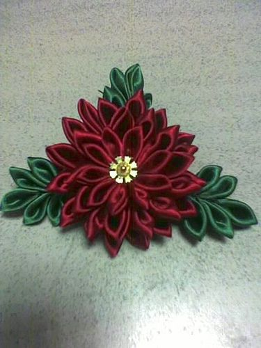 Here are my self-made kanzashi.