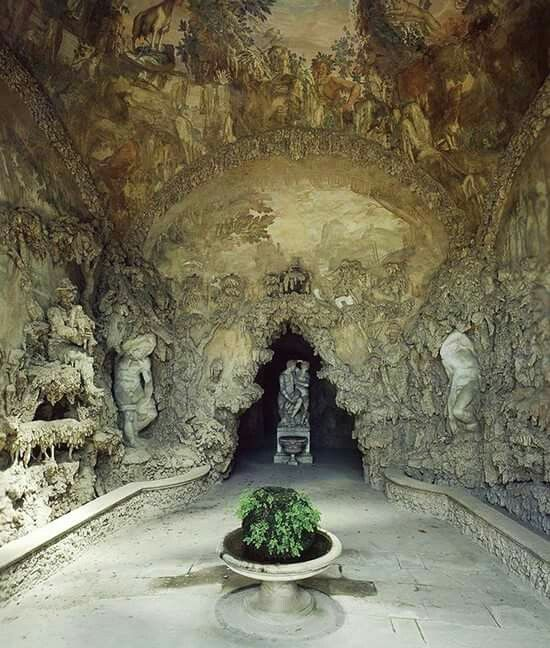 Beautiful Mysterious Places...Grotto grande in the Boboli gardens, Firenze, Italy by Bernardo Buontalenti, frescos by Bernardino Poccetti, 1593, photo via Scala Archives.