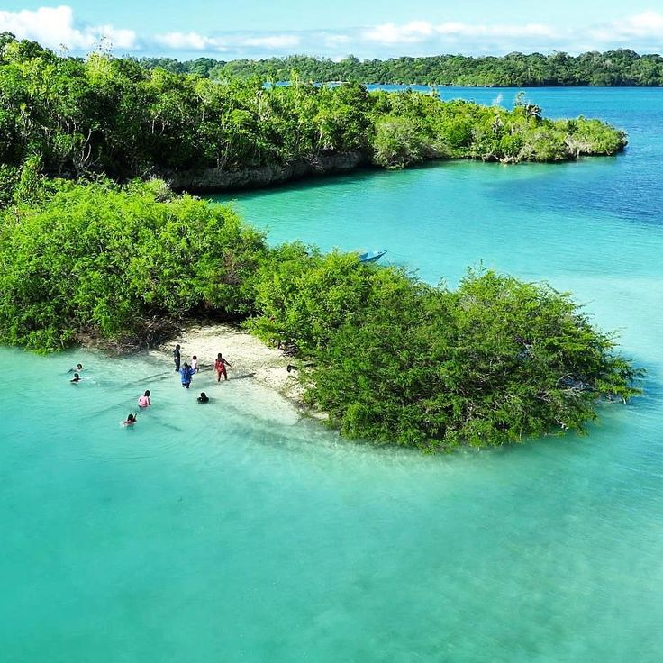 Kei Island is calling you to visit  Next stop to kei: 18-21 July Full 14-17 August available 4 seat  24-27 Sept  24-27 Oct Book your seats at info@kakabantrip.com  Add official LINE: @KAKABANTRIP (link on profile) #kakabantriptokei #kakabantriptomaluku #kaiisland #keiisland #kei #tual #baer #pulaukei #malukutenggara #barondamaluku