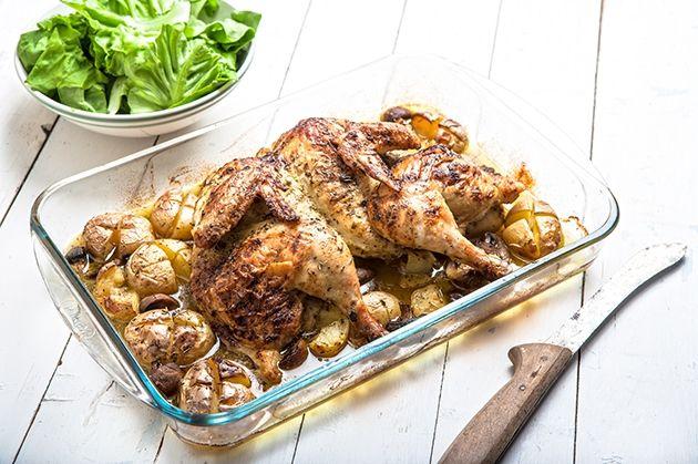 Λεμονοριγανάτο  ολόκληρο κοτόπουλο με ψητές τσακιστές πατάτες και μανιτάρια