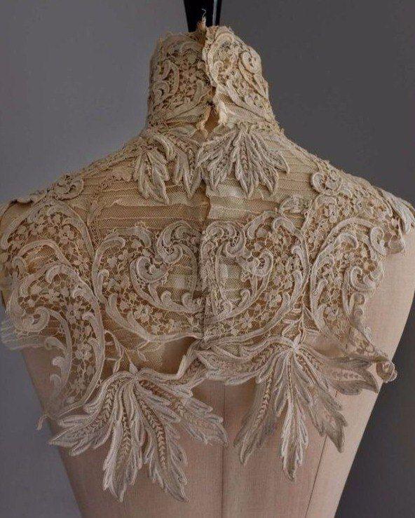 Кружевной фрагмент отделки лифа платья. Начало ХХ века.