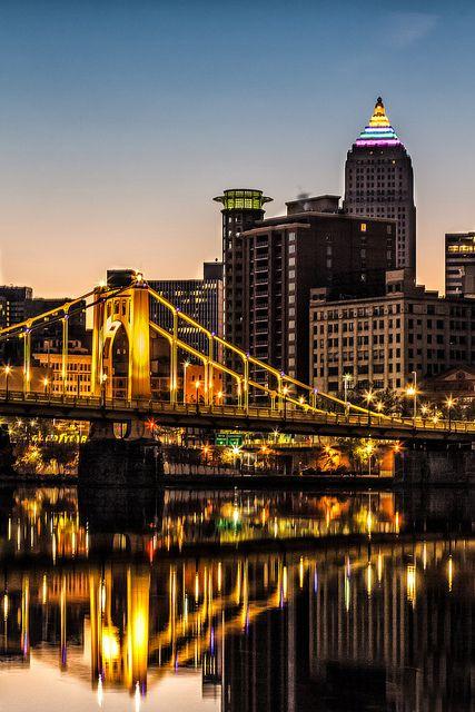 Roberto Clemente Bridge and Pittsburgh cityscape