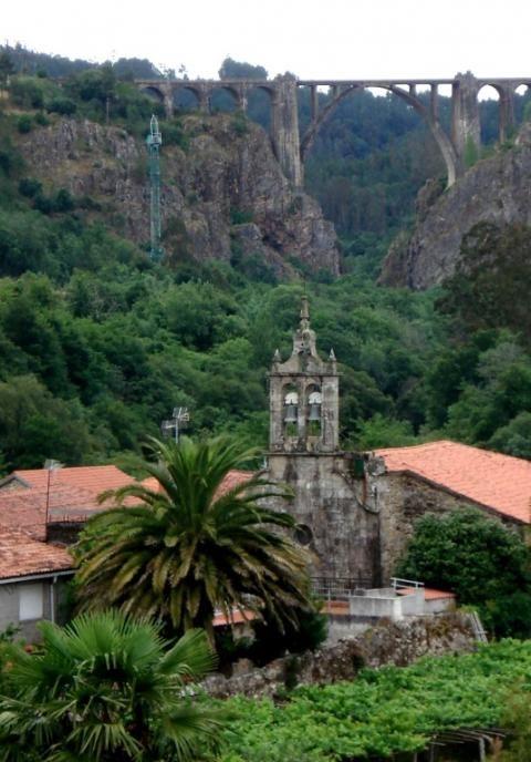 Pazo de Ortigueira o de Santa Cruz de Ribadulla (Alrededores)