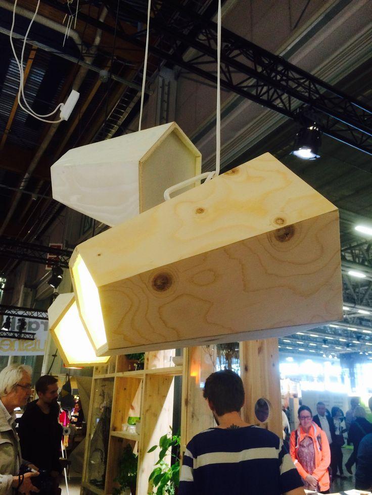 Natalia Ritar, Hani Lamp prototype (waste wood & acryl)