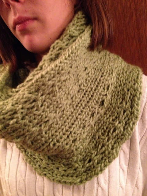 Infinity Scarf Knitting Pattern Ravelry : 17 Best images about Scarves on Pinterest Chunky scarves ...