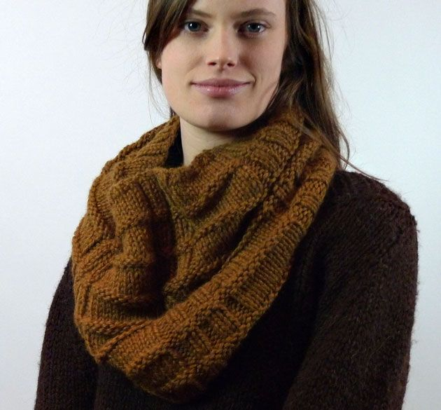 Americo Original / West Linton cowl - knit up a super soft, super warm, super simple cowl using 2 skeins of Alpaca Worsted!