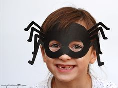 Spider mask. DIY and Free printable by Pluie de Confettis, via All lovely party. #Halloween