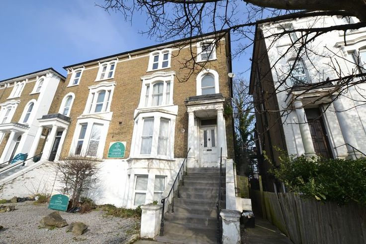 To Let Super 2 bed, 2 bathroom apartment in #Bromley  http://www.vincentchandler.co.uk/properties-to-let