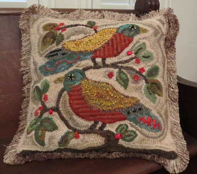 Bird Pillow Hooked By Sandi Thomas Tetrow Rug Hooking