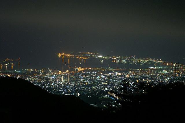 Kobe City (from Mt. Rokko) by Hyougushi, via Flickr