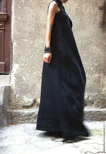 Купить или заказать Сарафан Black Sand в интернет-магазине на Ярмарке Мастеров. Шикарный летний сарафан из качественного льна. Изделие макси длинное, с ассиметрчным верхом на одно плечо. Это сложное экстравагантное платье, которое подойдет для любого мероприятия: вечеринка, прогулка, ужин... В этом изделии вы будете великолепны. Широкий браслет можете купить по запросу у моего друга мастера www.livemaster.ru/rohasshop Материал: 100% Лён Возможные цвета: Черный…