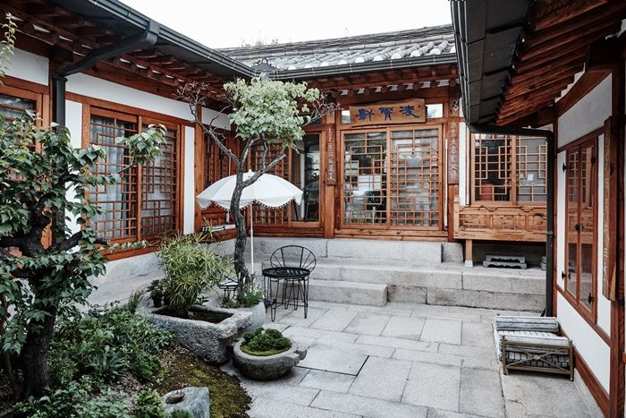 Designer Teo Yang's home: Hanok(Korea Traditional House)