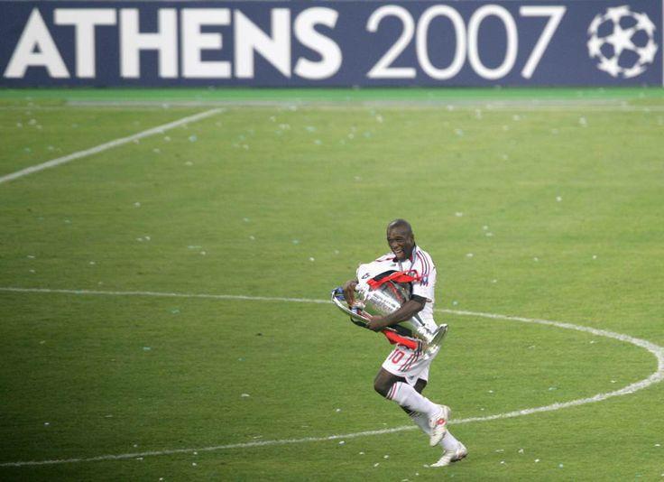 Clarence Seedorf wint met drie verschillende clubs de Champions League. (Ajax, Real Madrid en AC Milan)